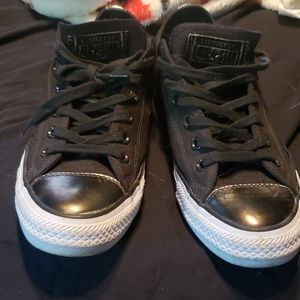 Black Convers size 9 womans